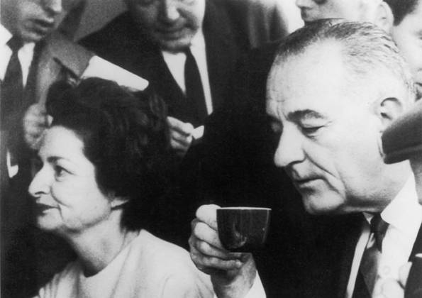 1961<br>USAn varapresidentti Lyndon B. Johnson vaimoineen<br><i>Vice President of the USA Lyndon B Johnson with wife</i>